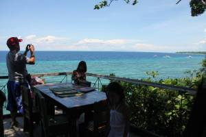 Lunch at the Bohol Bee Farm. Beautiful view. We had the best table in the house.