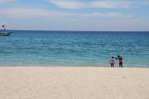 Last chance dip in the ocean. :)